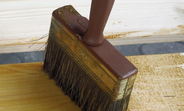 Pflege für ein langes Leben des Holz-Gartenhauses