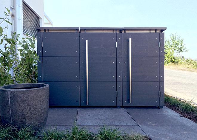 Mülltonnenbox für drei Tonnen