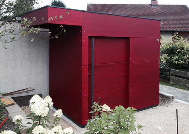 Gartenhaus mit kurzer Dachverlängerung